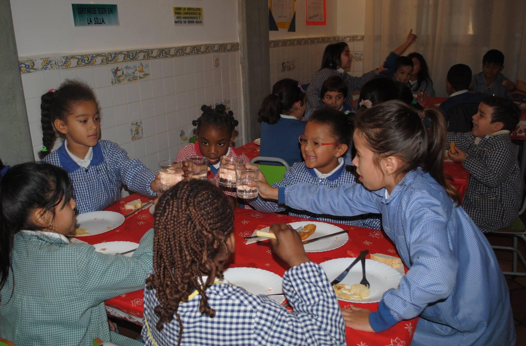 Comedor colegio la anunciaci n for Proyecto de comedor infantil